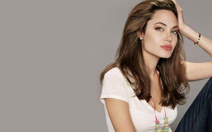 10 лучших фильмов  с участием Анджелины Джоли