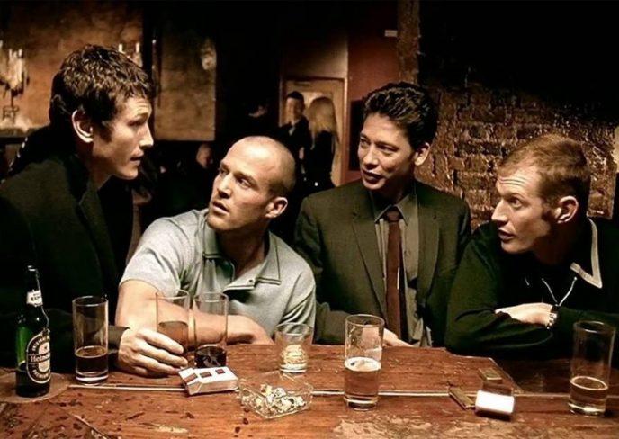 Как изменились актеры культового фильма 90-х «Карты, деньги, два ствола» за 20 лет