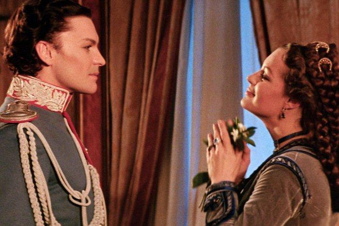 10 фильмов про королей и королев